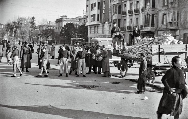 ·Entrega de aguinaldo 26/12/1944